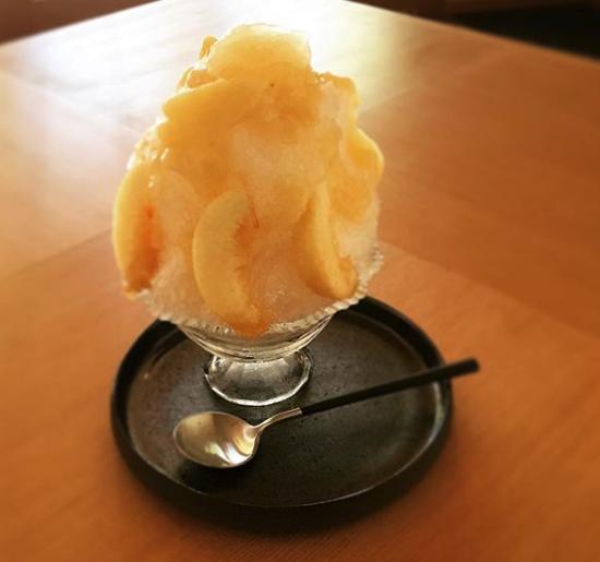 果実も楽しめるORI TOKYOカフェのかき氷