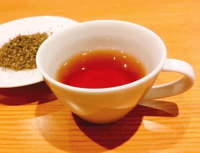 期間限定ハーブティ『甜茶』をご用意しております
